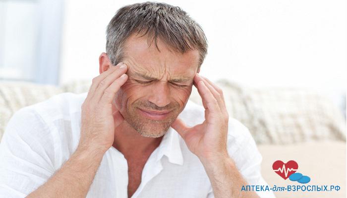 Головная боль у мужчины из-за передозировки препаратом