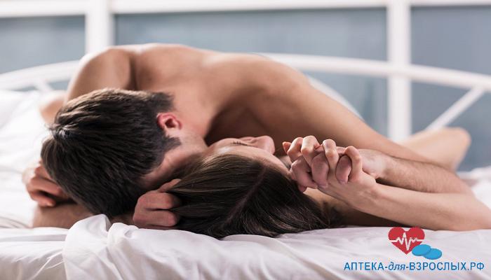 Мужчина занимается любовью с девушкой под действием добавки Дар Гималаев
