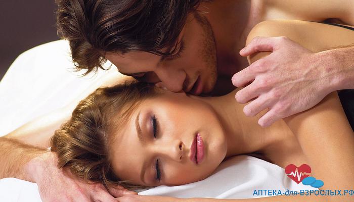 Мужчина и женщина занимаются любовью под действием Super Vidalista