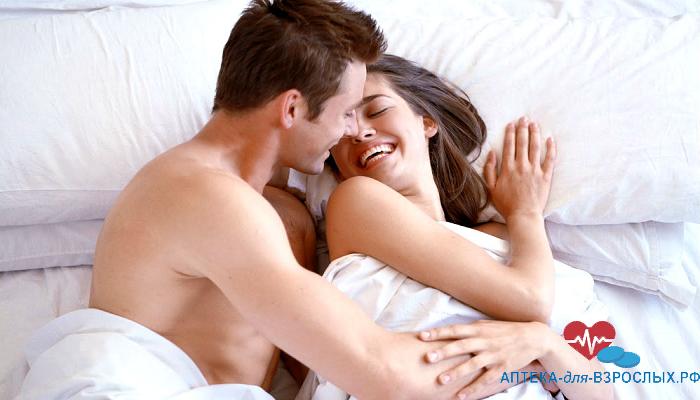 Мужчина с женщиной в постели под действием Вимакс Капсул