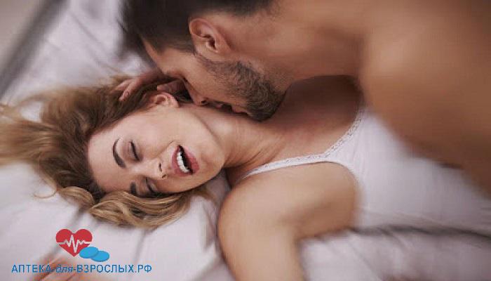 Пара занимается любовью под действием Фаллостон крема