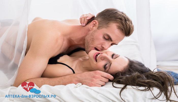 Пара занимается сексом под действием Максигры