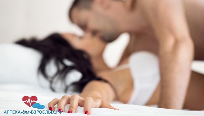 Пара занимается сексом под действием Сиалиса